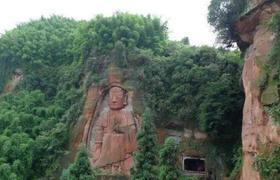 中国古镇——龙华山神秘大佛