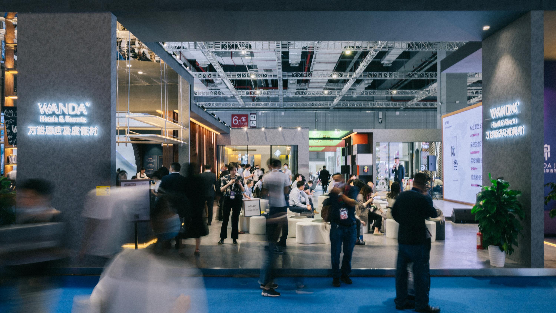 万达酒店及度假村再次亮相第九届中国(上海)国际酒店投资加盟与特许经营展览会,成全场焦点